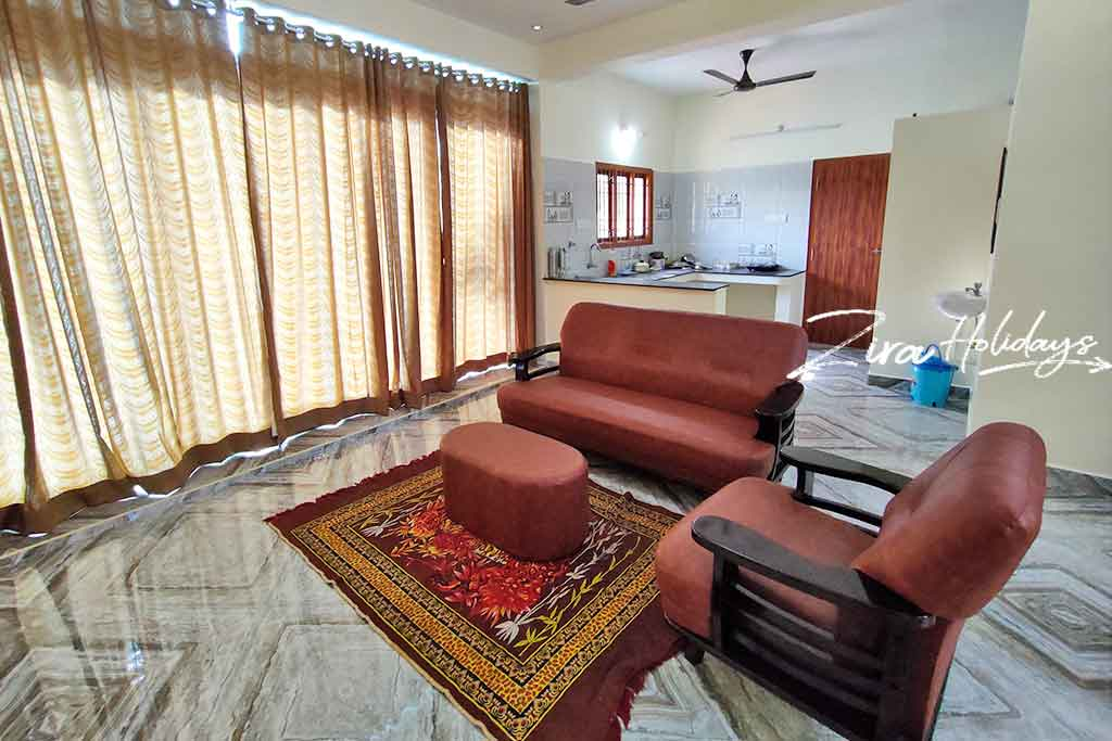 farm house for hire in ecr