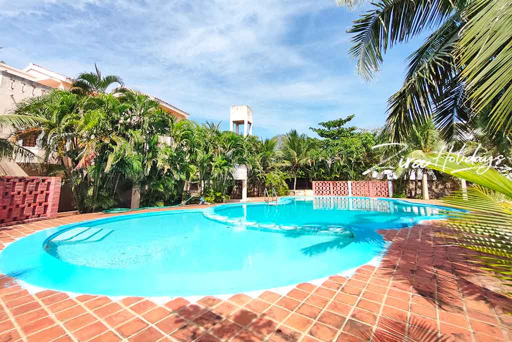 laughing water beach house for rent in ecr
