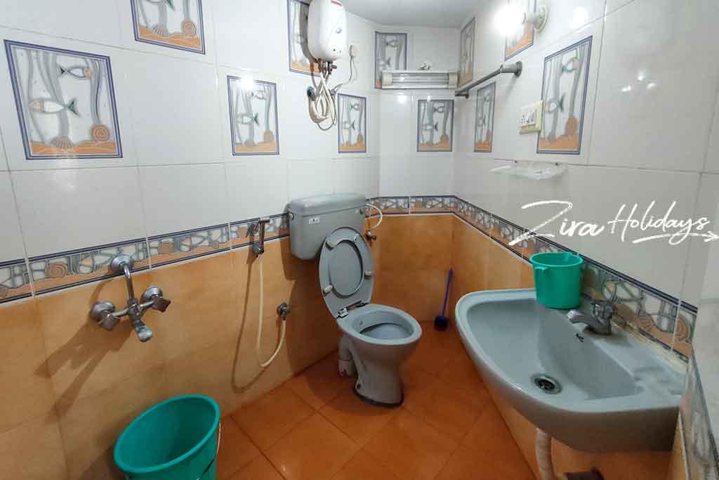 ashwini garden ecr restroom