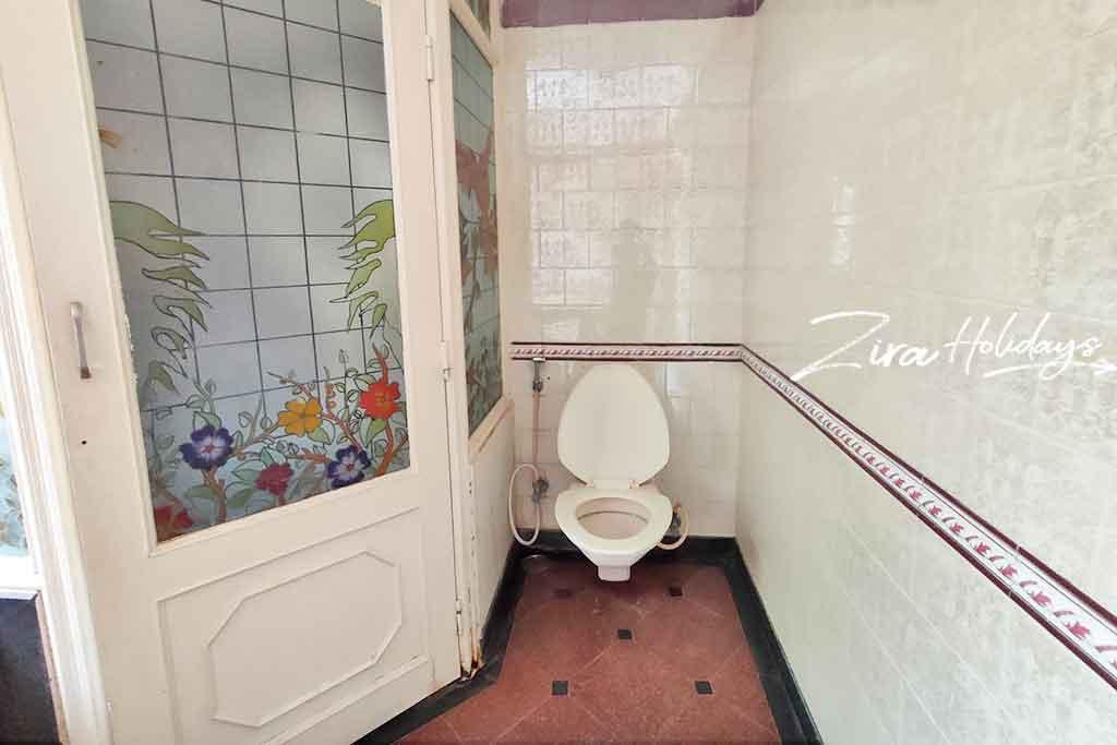 blue angel beach house restroom photos