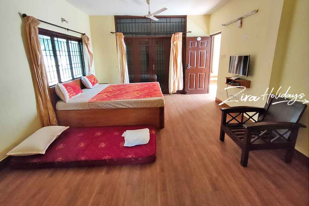 light house beach house ecr for rent