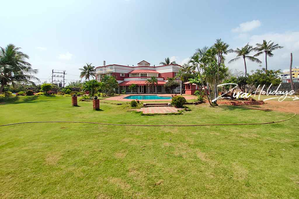 light house beach house for hire