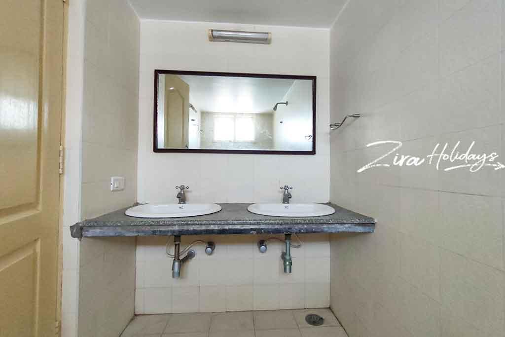 sri garden ecr restroom