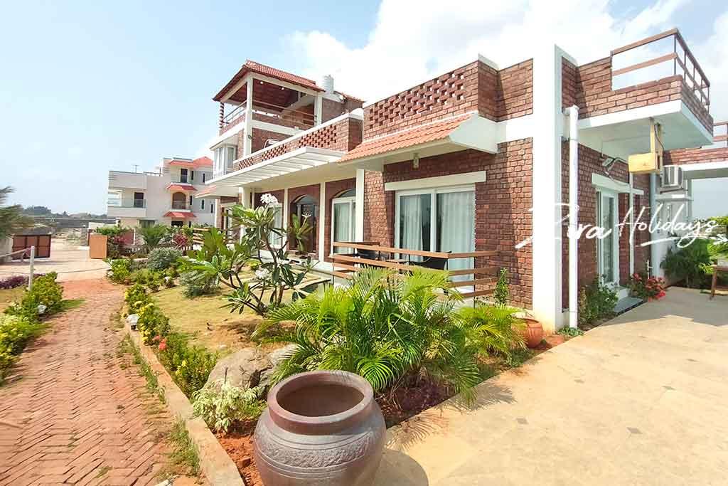 zira holidays beach house ecr
