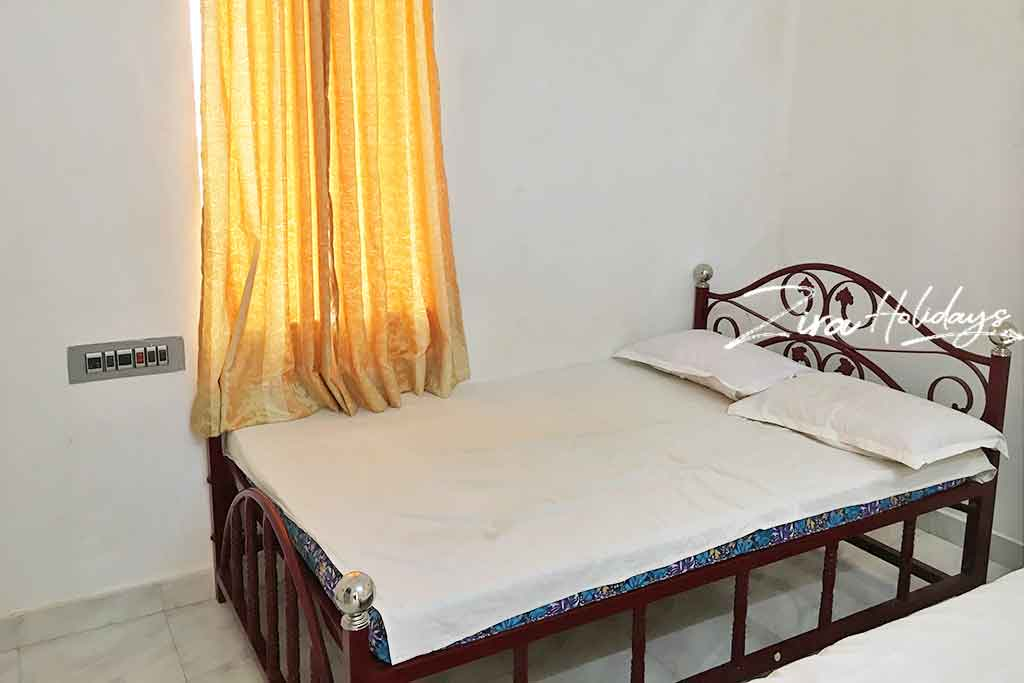 private group stays in yelagiri