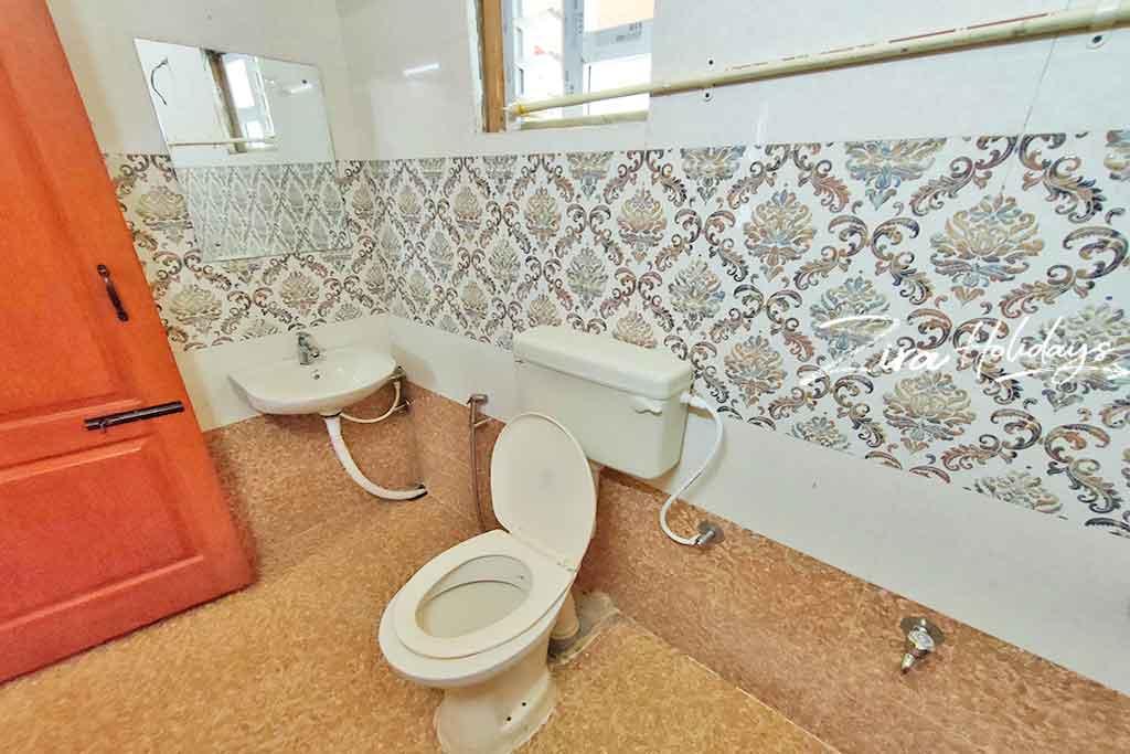 Lynwood Cottage Kodaikanal restroom images