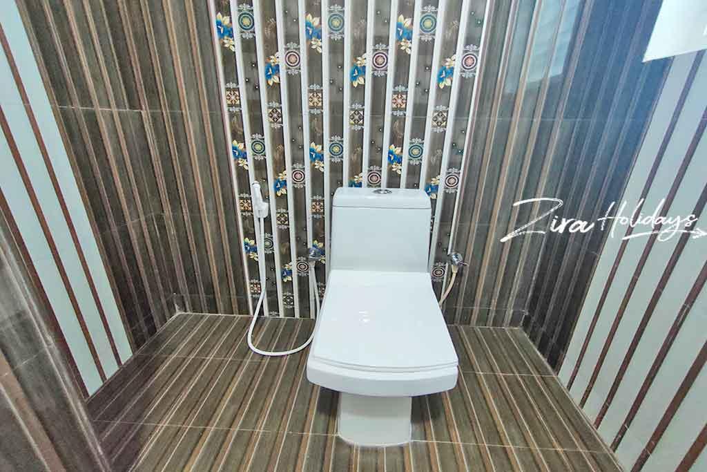 double occupancy room kodaikanal restroom