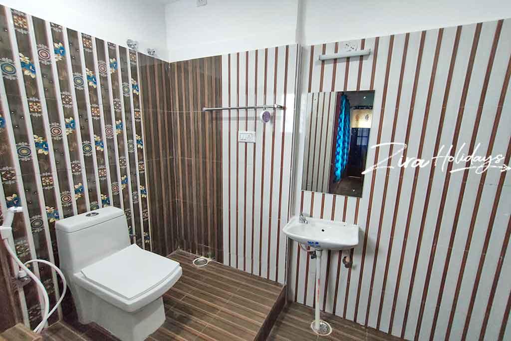 kodaikanal resort restroom