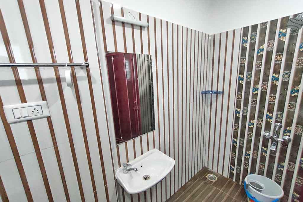 resorts with hot water facility in kodaikanal
