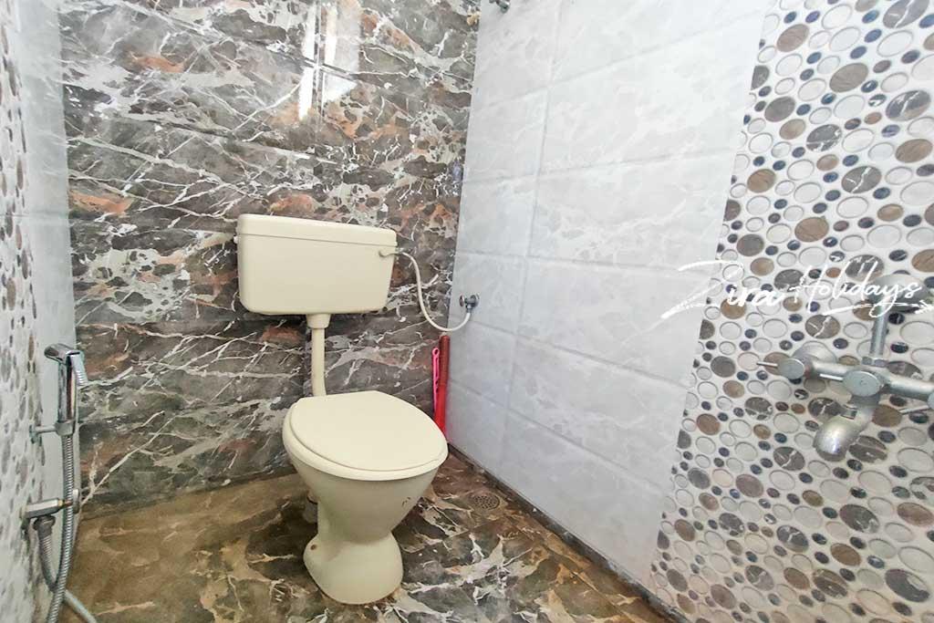 hm farm house restroom photos