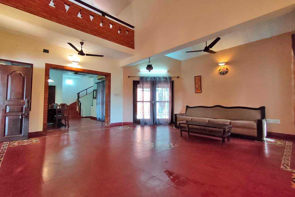 ivy beach house for rent in ecr