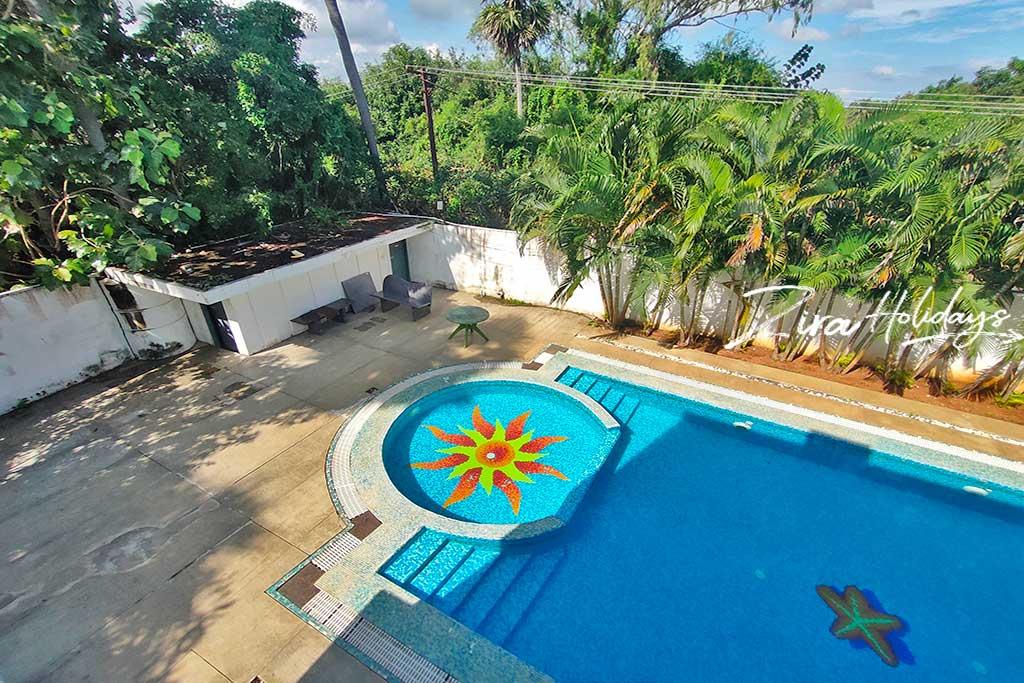 masha garden cheap beach house for hire in ecr