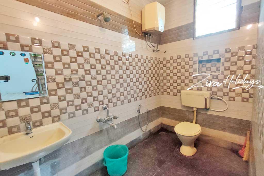 masha garden ecr restroom photos