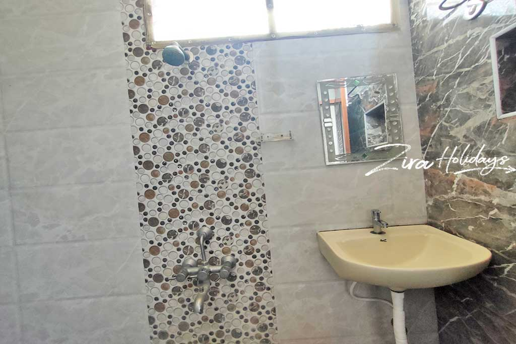 rm farm house restroom photos