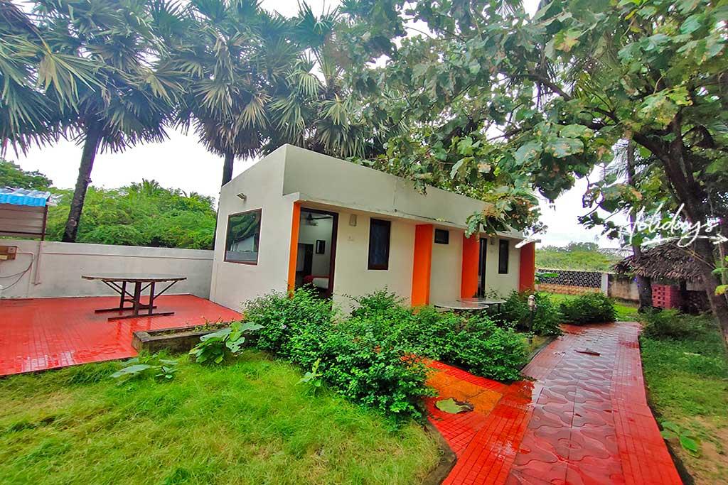 zira holidays cottages in mahabalipuram