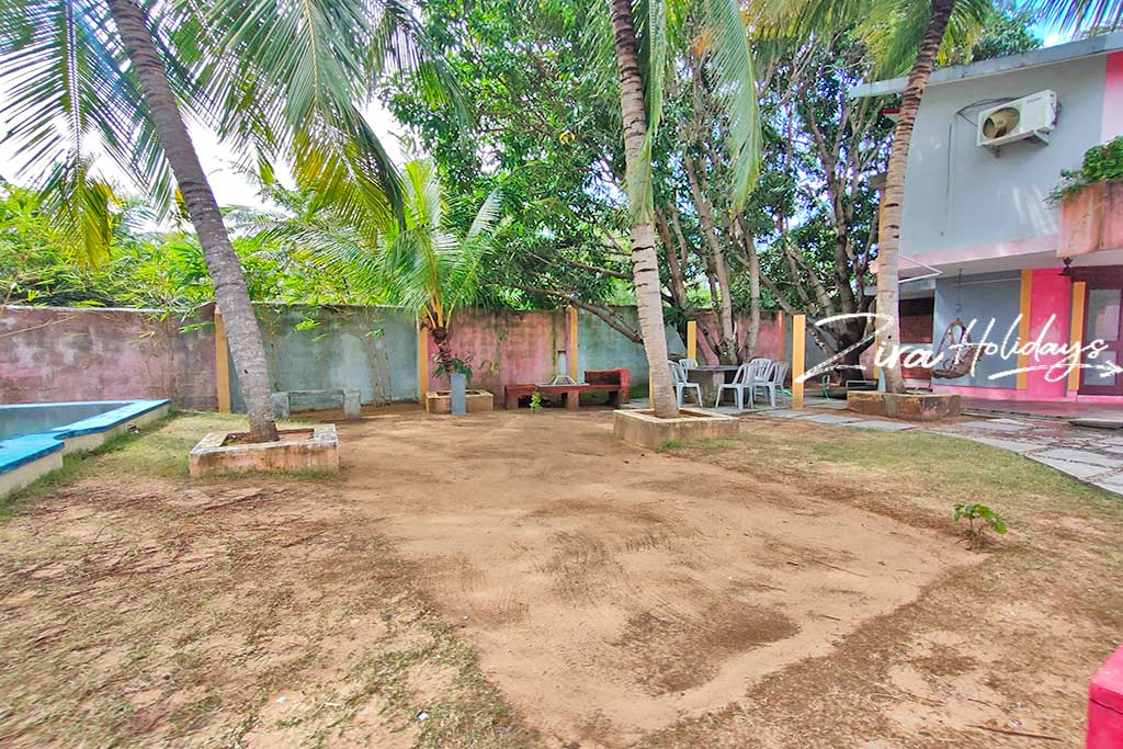 individual beach house for rent in uthandi