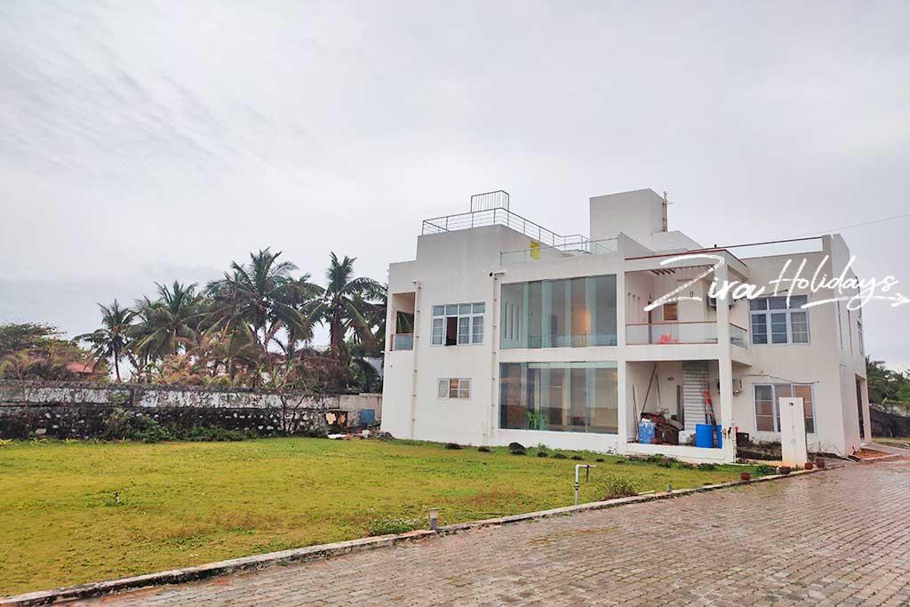 ezeestays beach villa 1