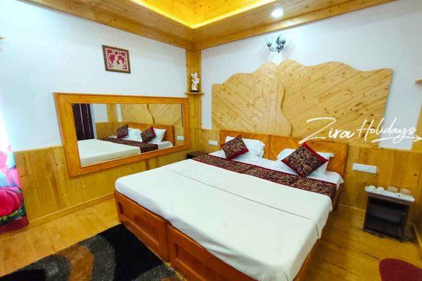 kodaikanal honeymoon suite room